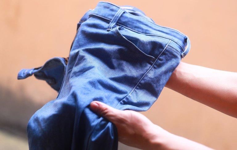Как удалить кровавые пятна с джинсов фото