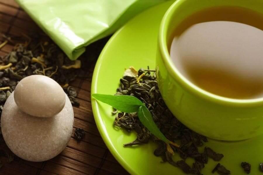 Выводим пятна от зеленого чая быстро и легко