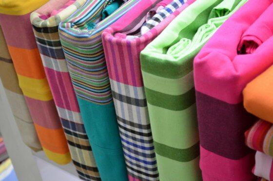 Какие ткани нельзя стирать и как за такими вещами ухаживать