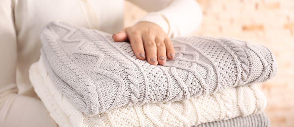 Как отстирать белый шерстяной свитер