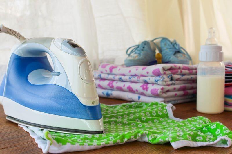 Стирка детских вещей и пеленок для новорожденных