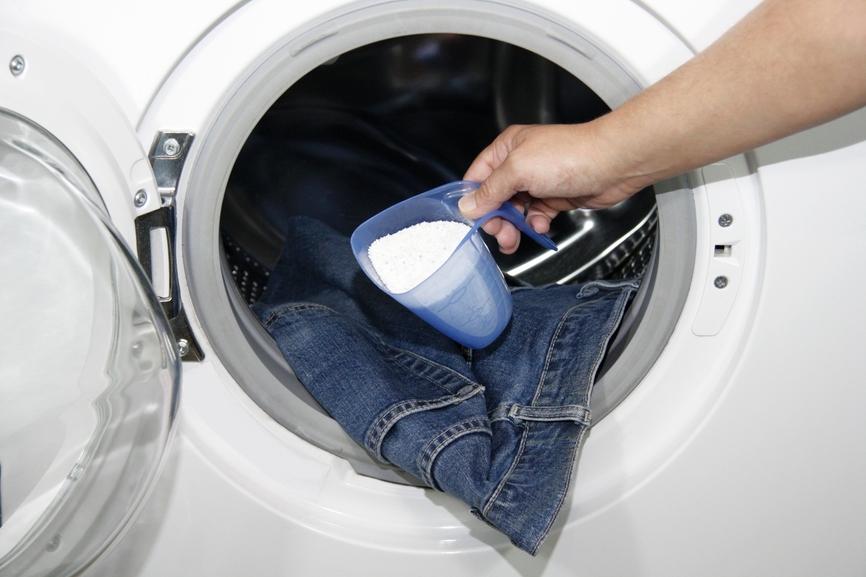 Стирка джинсовой одежды по правилам