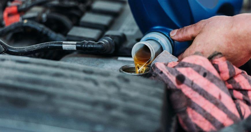 Чем можно отстирать машинное масло в домашних условиях?