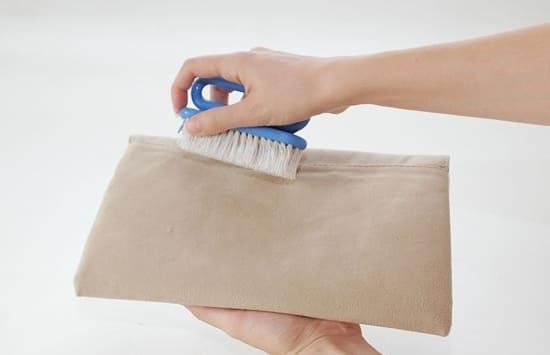 Как постирать замшевые вещи в домашних условиях?