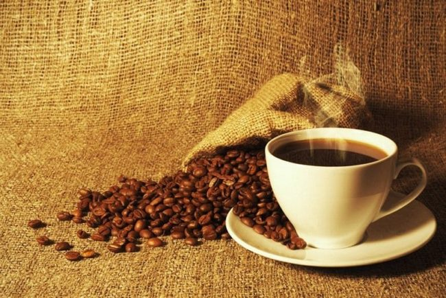 Отстирываем пятна от кофе легко и просто