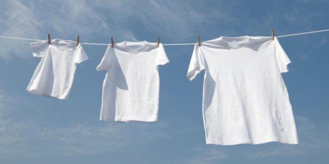 Чем вывести желтизну и пятна пота с белого белья и одежды?