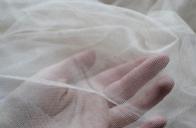 Как отстирать тюль и сделать ее белоснежной?