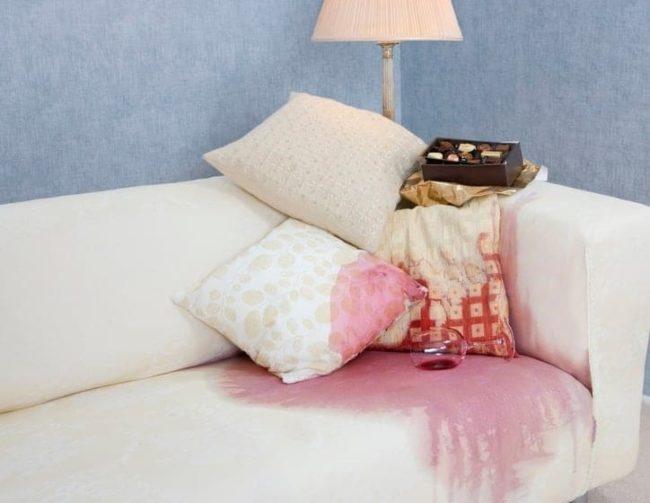 Домашние методы, как вывести различные пятна с дивана