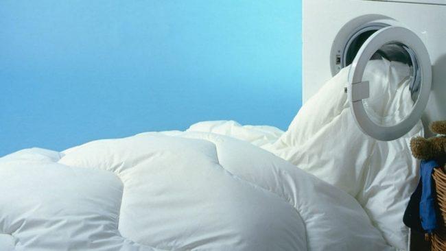 Стирка одеяла и подушки из верблюжьей шерсти