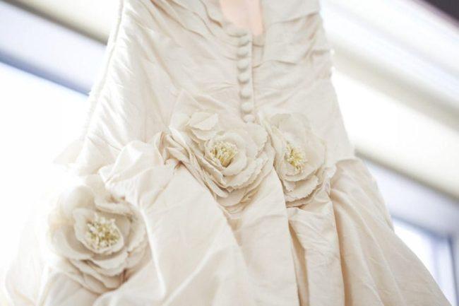 Безопасная стирка свадебного платья в домашних условиях
