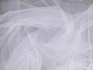 Как правильно постирать шторы в зависимости от типа ткани?