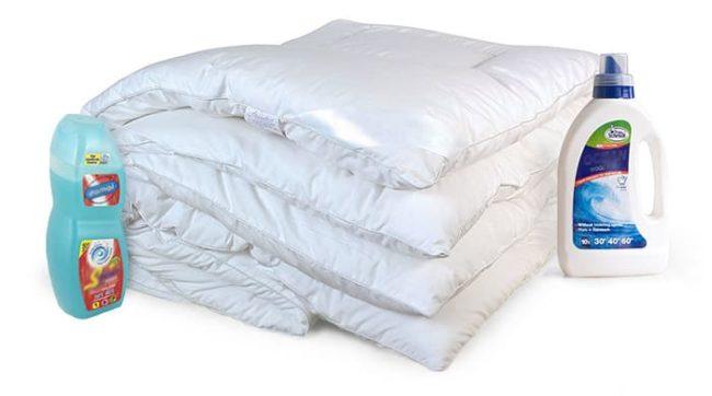 Стираем ватное одеяло руками и в стиральной машине