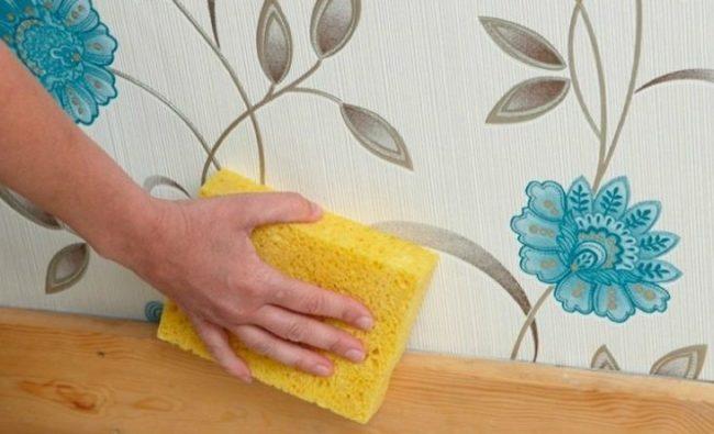 Как легко и просто убрать жирные пятна с обоев