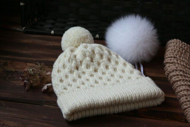 Можно ли и как постирать белую шерстяную и пуховую шапку