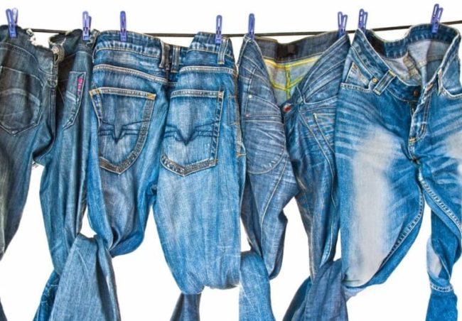 Джинсы: правила стирки руками и в стиральной машине