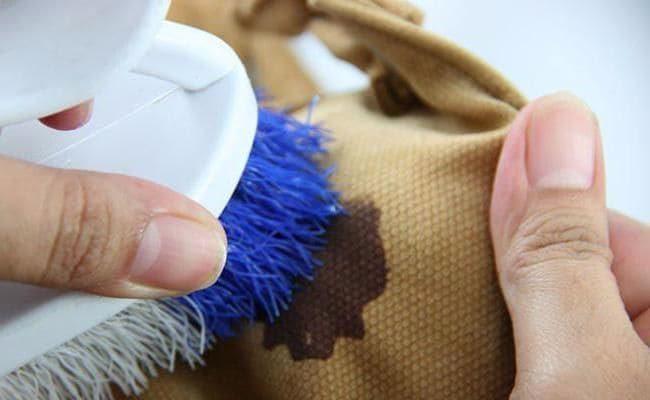 Как легко вывести засохшие пятна крови с одежды
