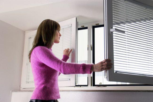 Как простыми способами избавиться от запах гари в доме