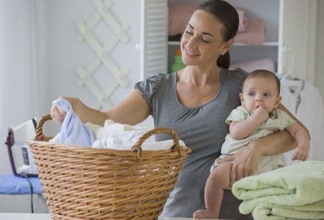 Как и чем отстирать пеленки новорожденного от кала