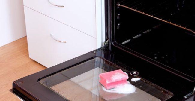 Как вымыть внутри духовку: действенные методы очищения