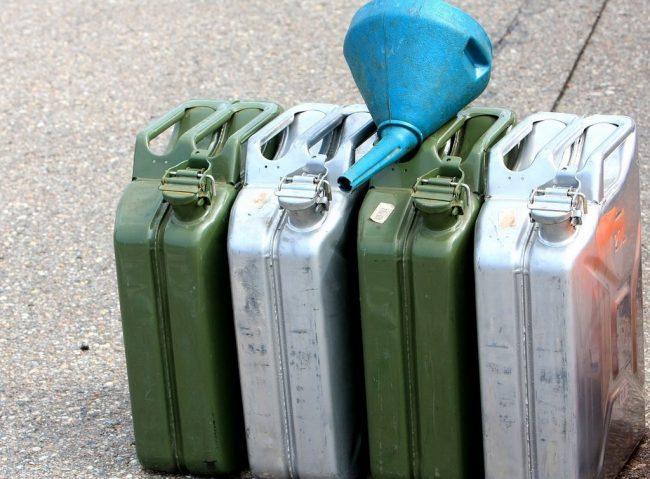 Как правильно хранить бензин?