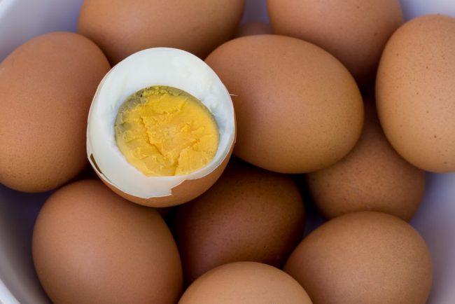 Вареные яйца: как сохранить деликатный продукт свежим