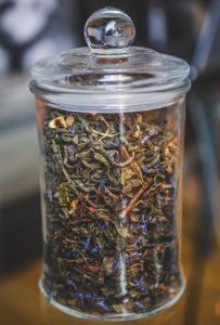 Правила и особенности хранения чайных листьев: как сохранить вкус и аромат чая?