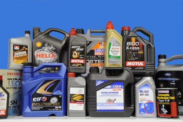 От чего зависит срок годности моторного масла?