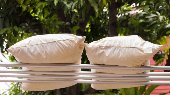 Как можно постирать синтепоновую подушку